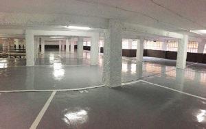 Pintar el parking: techos, columnas y zócalos, sobre material ignífugo