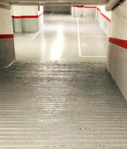 Pintar líneas de aparcamiento con numeración en pavimento
